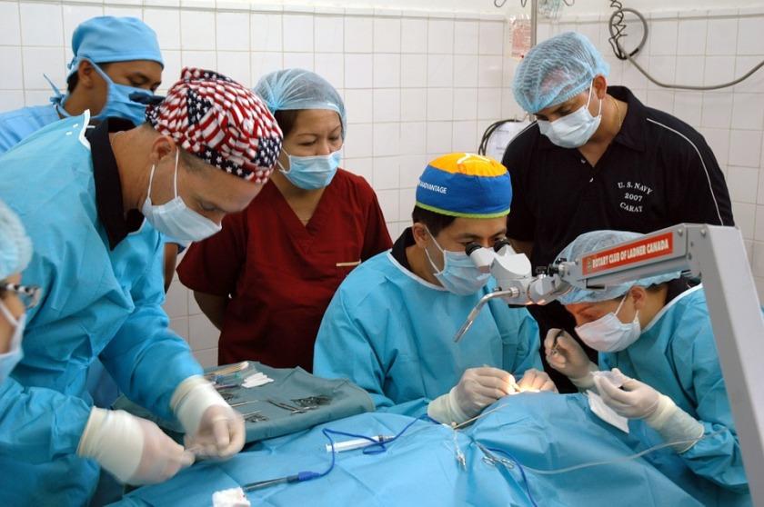 surgery-590536_960_720